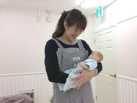 赤ちゃんのお世話、アプリケアカレッジ